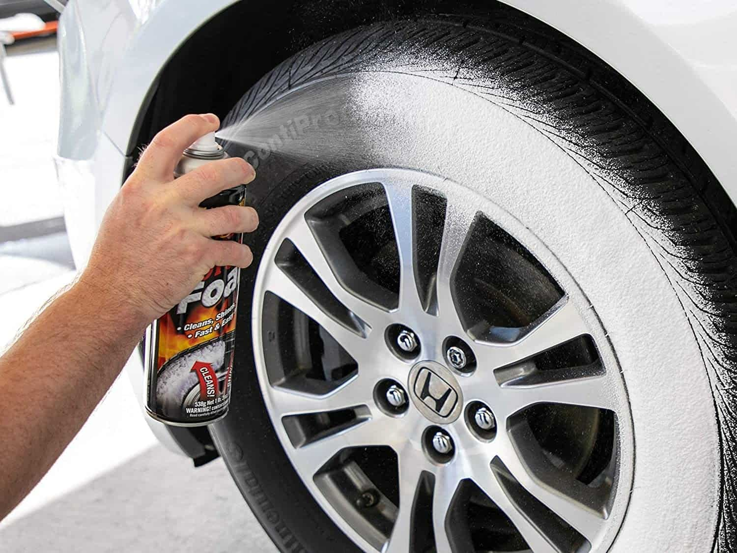10_Tyre_Cleaner_Spray